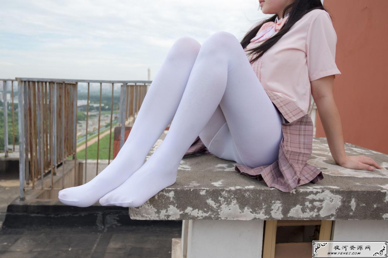 日系高中少女的户外诱惑原味白丝内内