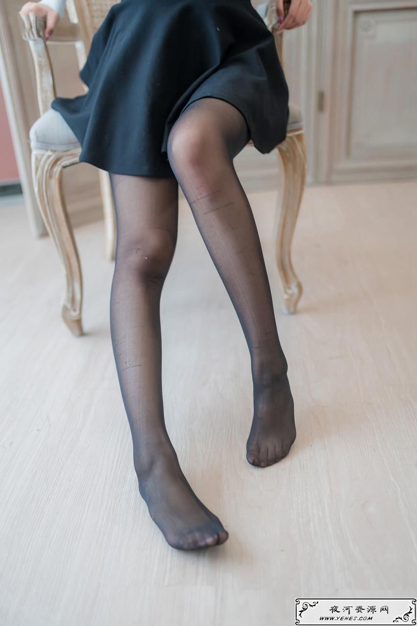 小姐姐的性感诱人超薄原味黑丝短裙
